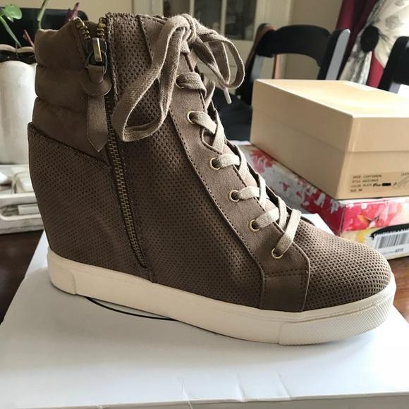 daef4f1f0e9 Steve Madden Llynn Wedge Sneaker Size 9 12 Taupe